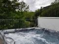 Berwyn Barns hot tub
